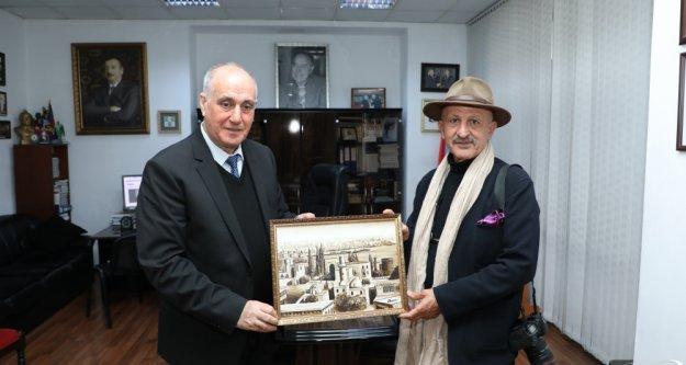 Aslanov , Reza Degati AZERTAC'ı ziyaret etti.