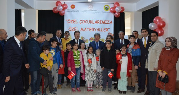 Iğdır'da özel eğitim sınıfı bulunan okullara materyal desteği verildi.