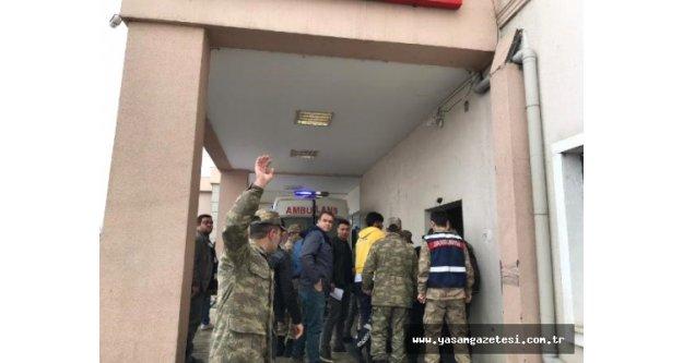 Iğdır'da Askerleri Taşıyan Zırhlı Araç Devrildi