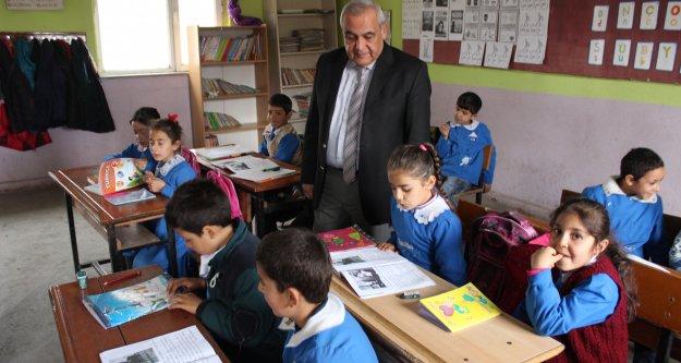 Milli Eğitim Müdürü, köy okullarını ziyaret etti