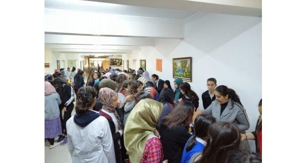 Nene Hatun Mesleki Ve Teknik Anadolu Lisesi Yardım Kermesi Düzenledi