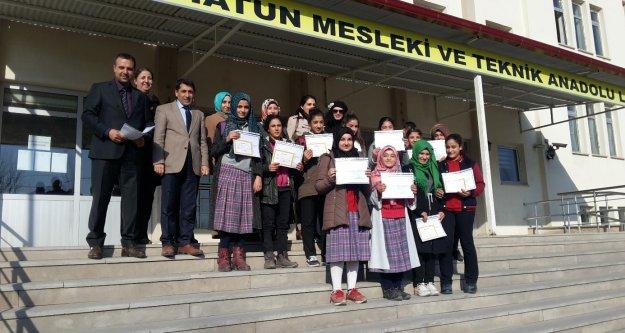 Okula Kazandırılan Öğrenciler Ödüllendirildi
