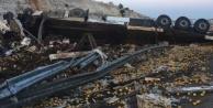 Limon Dolu Tır Devrildi, 3 Kişi Hayatını Kaybetti