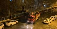 Iğdır Belediyesi  yolları sabunlu suyla dezenfekte ediyor