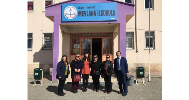 Türk  Kadınlar Derneği'nden Kıyafet Yardımı